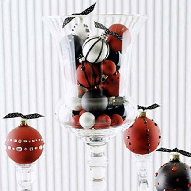 Black & Red table decoration