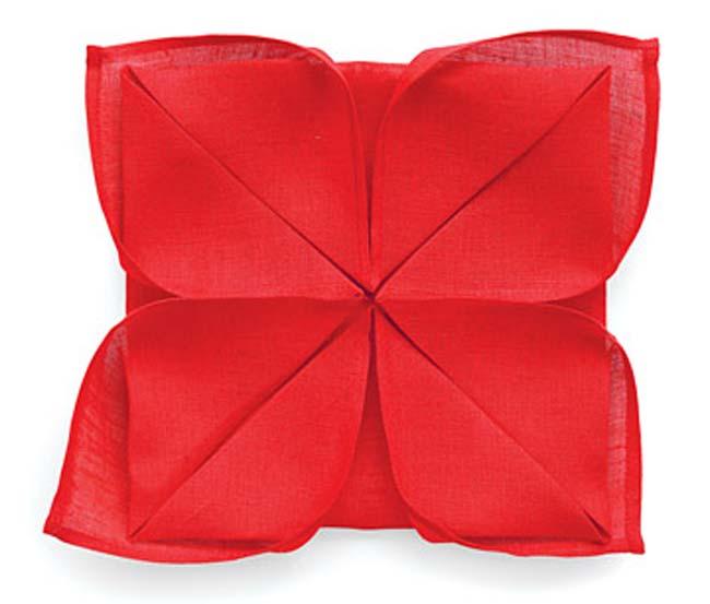 Table tips: Lotus napkin