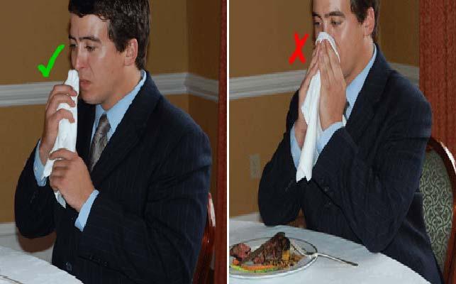 tableart napkins etiquette1 Πως να χρησιμοποιείς την πετσέτα του φαγητού