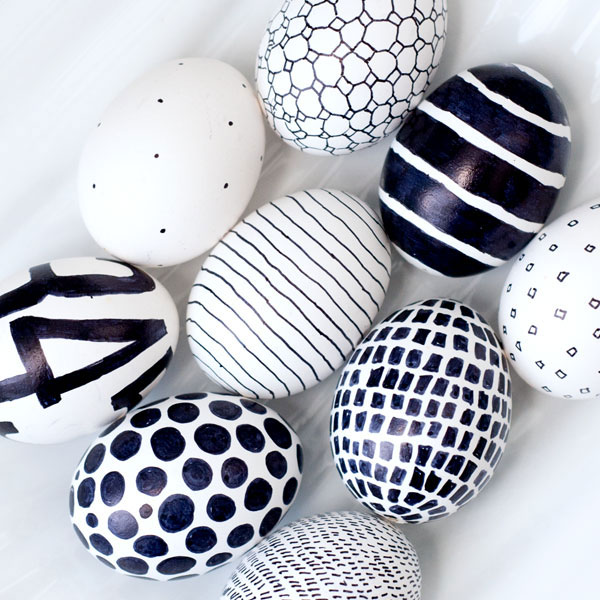 tableart_diy_black_white_easter_eggs_a