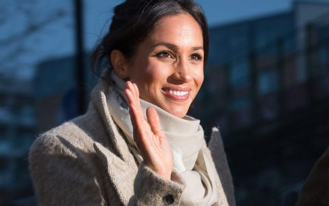 tableart_why-meghan-markle-cant-wear-tiara
