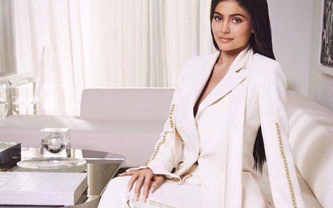 Η Kylie αποκάλυψε το όνομα της κόρης της